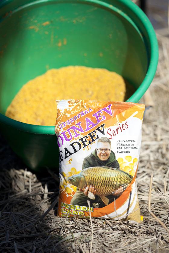 Лакомство для рыбы – кукуруза