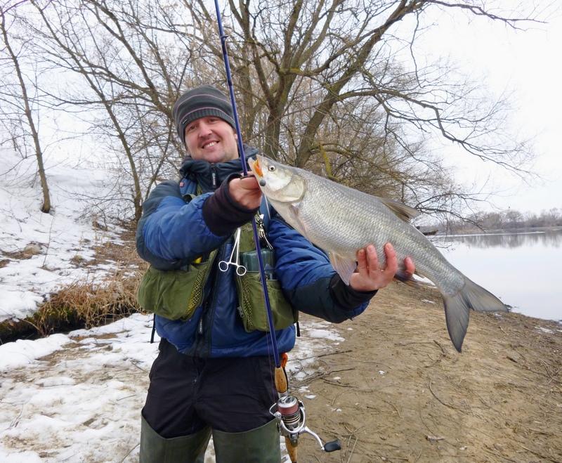 где можно ловить рыбу спиннингом во время запрета